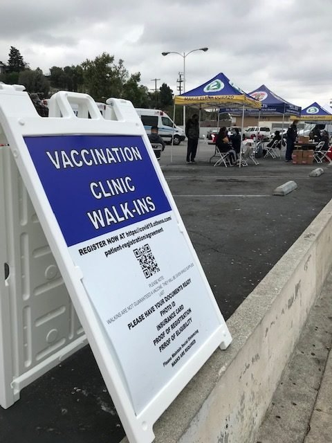 Image of a walk-up vaccination clinic in Glassell Park
